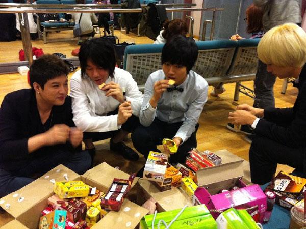 Kim Jang Hoon Super Junior Korean snacks